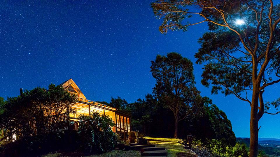 Wonga Spa Cabin at night